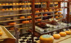Sanidad paraliza la actividad y retira todos los productos de una fábrica de quesos de Galicia